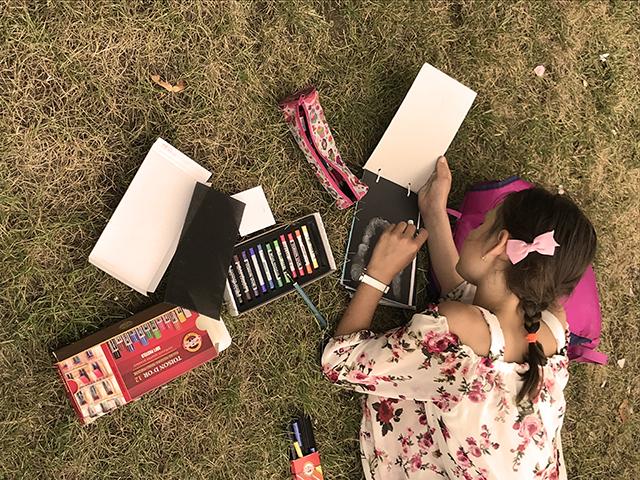 półkolonie artystyczne wakacje zajęcia artystyczne Wrocław dla dzieci młodzieży plenery miejskie