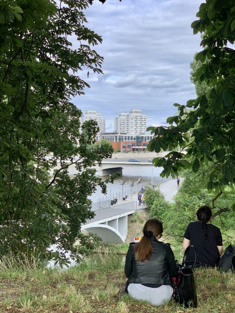 plener miejski ogród rysunek malarstwo sztalugowe szkicownik ogród Wrocław artystycznie plastyka wakacje